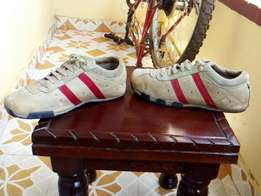 Original Diesel sneakers size 8 in mint condition..