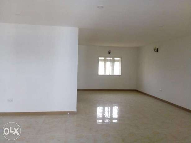 3bedroom apartment located at mabushi by Mobil filling station Wuse 2 - image 4
