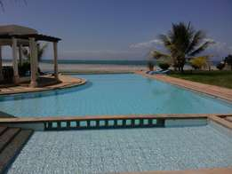 Stunningly Furnished 3 Bedroom Holiday Apartment On The Beach Front