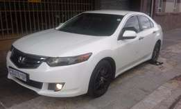 Honda Accord 2009 white 2.0 For Sale