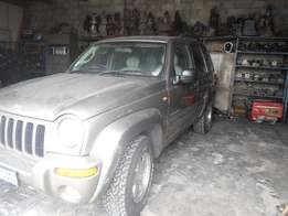 2004 Jeep Cherokee breaking up for spares
