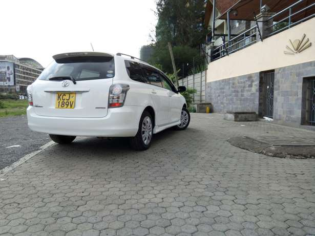White Toyota fielder, 2009 model,1500cc,cash /bank finance accepted, Makina - image 3