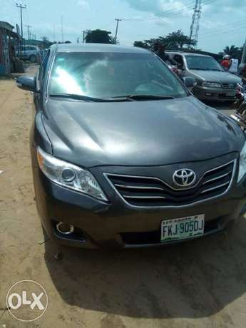 A super clean Toyota Camry LE (Spyder) Warri - image 1