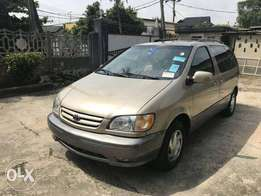 Tin-Can Cleared 2002 Toyota Sienna XLE