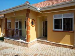 A sutable doubleroomed house for rent in kisaasi at 450k