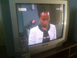 54 cm TV with remote bargain call me in Bloemfontein