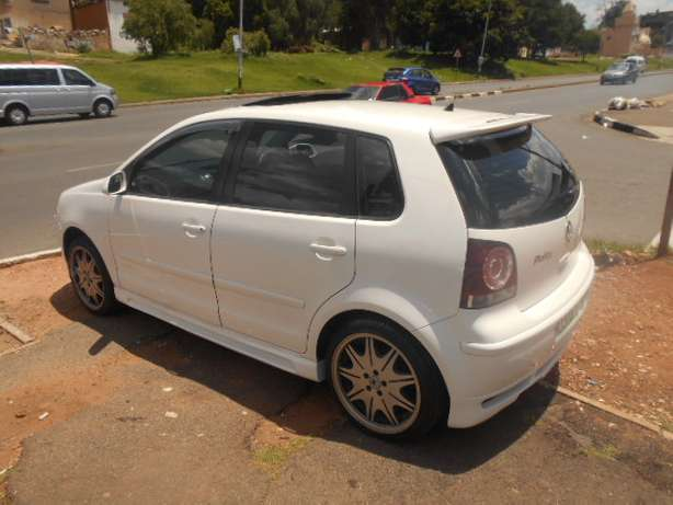 2008 VW Polo 1.6 Full house with mags and a sunroof for sale Johannesburg - image 3