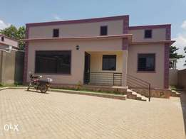 Three bedroomed house in Kyanja off Kyanja ring road by 300meters at 2