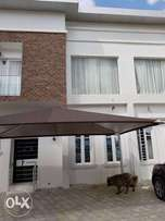 Fully furnished 4bedroom duplex available for daily short let at Lekki