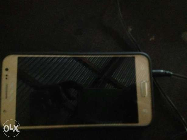 Samsung j5. Two weeks old. Very very new from the box. Quick sale. Nairobi CBD - image 4