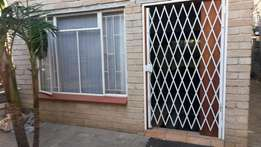 Furnished 1 Bedroom flat to rent R 3800 pm plus Dep