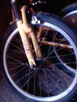 1 fold up bike 1 stand up price is cheap 2500