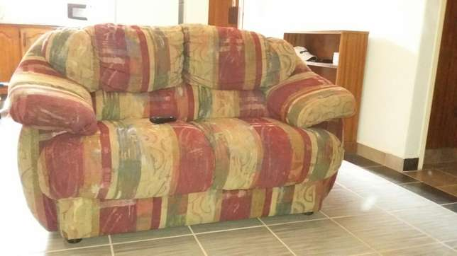 Couches for sale Rooihuiskraal - image 8