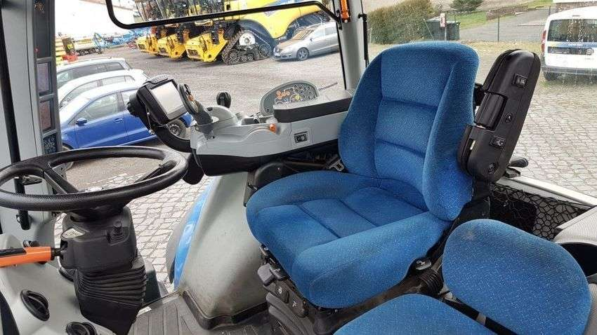 New Holland T 8.360 - 2011 - image 5
