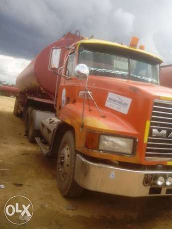 Mack Tanker 45000Litres Capacity. Working good Abuja - image 4
