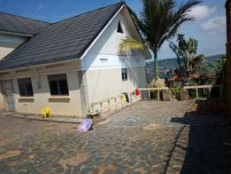 Pergola 4 bedroom stand alone house for rent in Lubowa at 1.7m