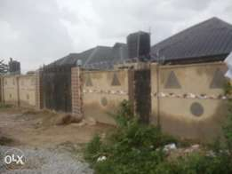 To let 2units of 3bedrooms flat at ekeeuru estate akobo ibadan