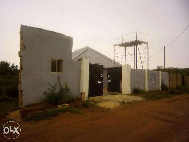 Spacious compound and building for sale Ilorin - image 2