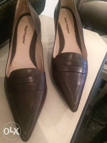 used hush puppies (genuine leather)