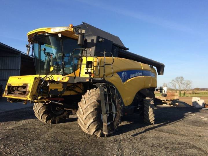 New Holland cx 8070 - 2009 - image 2