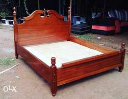 Queen anne 5 by 6 mahogany bed