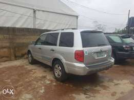Honda Pilot 2004 first body 3 rows