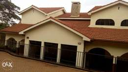 Mt view 4 bedrooms double storey to let