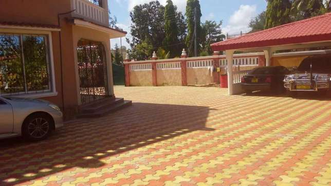 Exotic 5 bedrooms in 1/2 acre nyali. Nyali - image 2