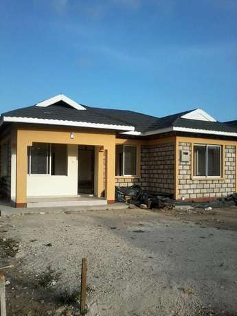 Excellent 3 bedroom Own compound Bungalow FOR SALE Mombasa Island - image 1
