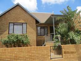 3 Bedroom townhouse to let in Langenhovenpark