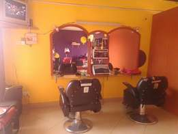 Unisex Salon/massage and nail clinic