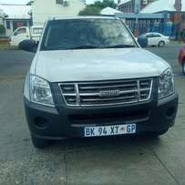 Special: 2012 isuzu bakkie with leather seat, R 95000.00 cash only Thi