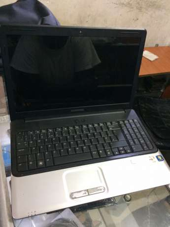 used compaq laptop product of hp 2gb ram 320 hard disk in good condo Kampala - image 3