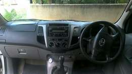 Looking for FordRanger/ toyota hilux d4d d/CAB not more than 120000