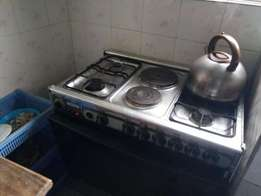 Royalty 4 Gas Burner and 2 Electric Cooker