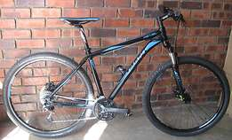 GIANT Revel 29r mountain bike in excellent condition