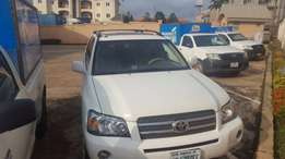 Extremely clean 2006 Toyota Highlander (7 seater)