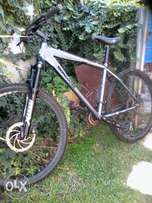 Mongoose amasa comp mountain bike