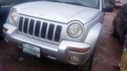 Neatly used liberty jeep 2004 model