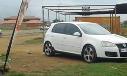 I'm selling my golf 5 2.0 in good condition.