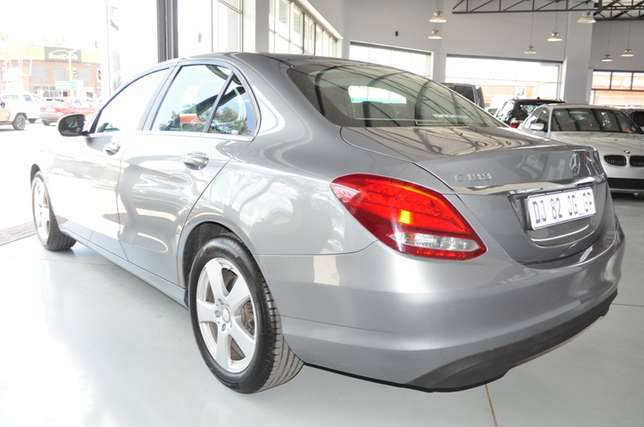 2014 Mercedes-Benz C-Class C180 Auto in Mint condition Bloemfontein - image 3