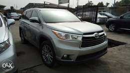 XLE AWD Edition Fully Optioned 2016 Toyota Highlander With Navigation