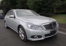 Mercedes Benz E300 silver colour - 2010 model - leather - KCK