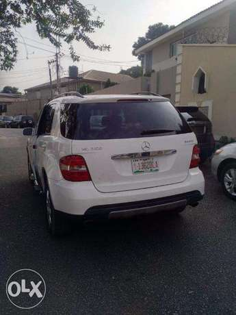 We Have For Sale A Clean Mercedes Benz ML350 Tokunbo 2007. Ikeja - image 5