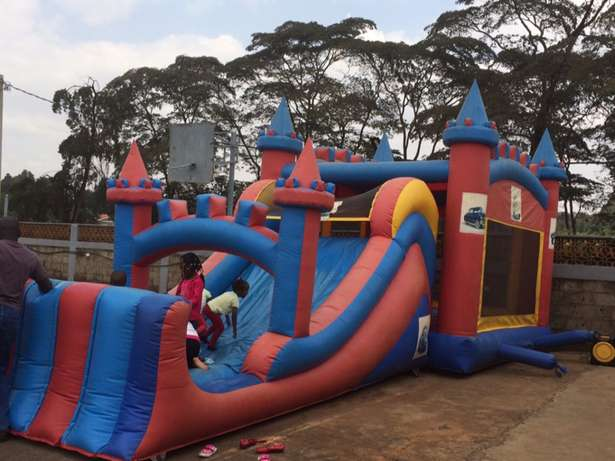 Large Bouncing Castle for hire Westlands - image 1