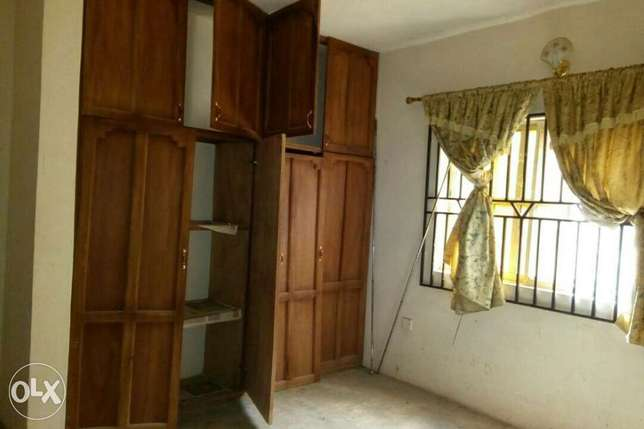 For sale: oneup one dawn of 4bedroom flat Ibadan South West - image 6