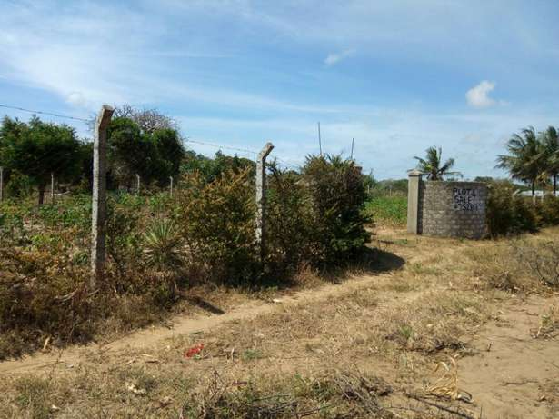 2 Adjacent 1/8 plots for sale in Kilifi Majengo - image 3