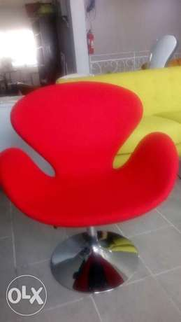 Red Swan swivel chair Lagos - image 2
