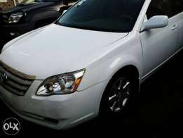 Toyota Avalon xl. Its factory fitted AC. perfect working engine.