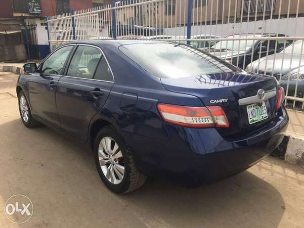 Super clean 2008 naija used Toyota Camry LE for 1.9m Lagos Mainland - image 5